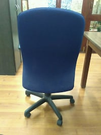 blue and black rolling armchair Bengaluru, 560071