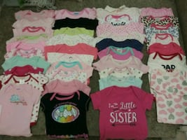 0-3 Months. Baby Girl Onesis. 37 pcs for $20 dls