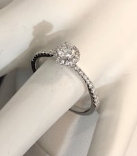 18k yellow gold Halo diamond engagement ring *Appraised at $3,100 Vaughan, L4J 0H6