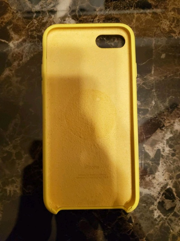 iphone 8 yellow silicone case