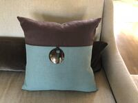 Decorator pillows with forms perfect condition $30.00 for 2 Vestavia Hills, 35243