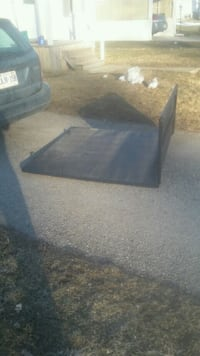 Tunnel cover tri fold  Minto, N0G 1Z0