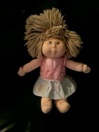 Cabbage Patch  Doll: Excellent condition with no dirty spots or rips