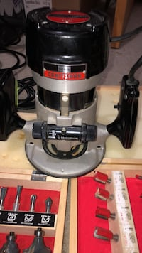 Craftsman Router and 40 Bits Calgary, T2Y