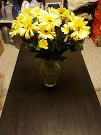 Artificial flowers with glass vase Germantown, 20874