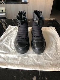 Krisvanassche men high top sneakers. Size 39