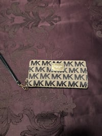 black and white Michael Kors leather wristlet Washington, 20024
