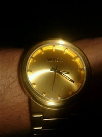round gold-colored analog watch with link bracelet Arlington, 76013