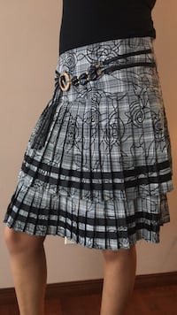 Size small double frill skirt Calgary, T1Y 6P7