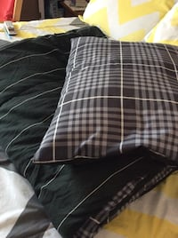 Twin grey, and black comforter w/pillow