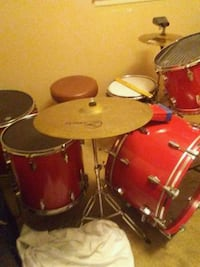 Red and Silver drum set 469 mi