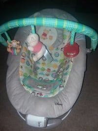 Winnie the pooh bouncy seat  Hagerstown, 21740