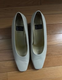 pair of white leather flats Riverdale Park, 20737