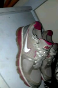 Nikeshoes pink and grey Summit County, 44319
