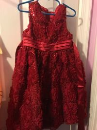Girls dress size 5 Lusby, 20657