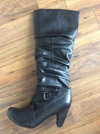 Hush Puppy's size 11 Boots Waterloo, N2L 4R4
