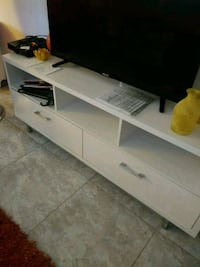 white wooden TV stand with cabinet Hialeah, 33010