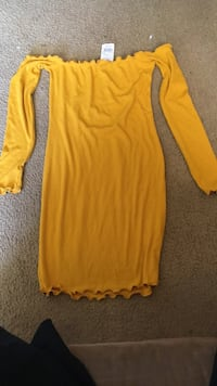 new agaci dress/ size small Lubbock, 79415