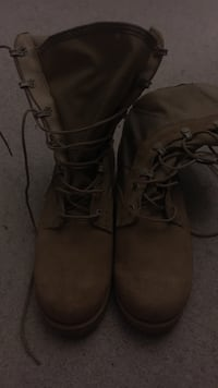 Offical military boots vibram size 6/5 Annandale, 22003