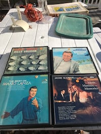 assorted-title book lot Patchogue, 11772