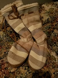 pair of brown-and-white leather sandals Omaha, 68111