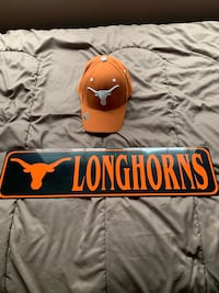 Texas Longhorns Hat and License Plate Brand New  Frederick, 21703