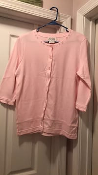 LIKE NEW. SIZE: MEDIUM. PINK TOP Winchester, 22602
