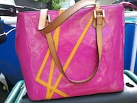 pink and white leather tote bag Edmonton, T5B 0S1