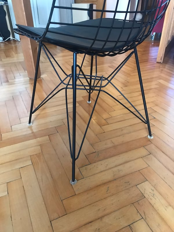 6 adet vitra wire chair 82d54c04-18d6-4104-a086-a5fad421c12b