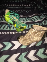 Size 8 40 for both pair Gainesville, 32601