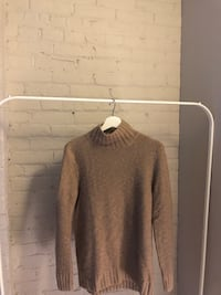 H&M sweater Winnipeg, R3A
