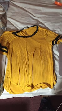 yellow and black crew-neck t-shirt Silver Spring, 20902