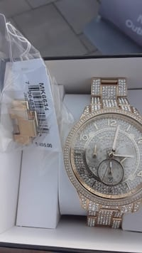 Michale kors watch Hull, 02045