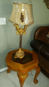 2 end tables and 2 lamps Apopka, 32712