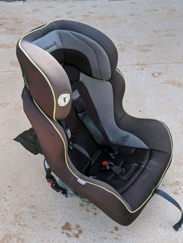 Toddler car seat 0871b547-20c7-4197-8d70-45f291118e20