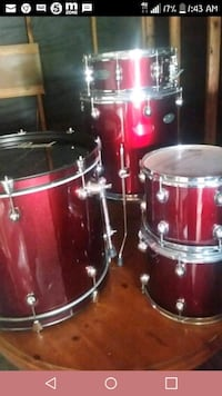 5 piece Pearl Centerstage drum set w/Sabian cymbal Pearland, 77584