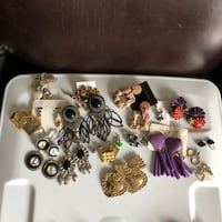19 Pair of Pierced Earrings Longs, 29568