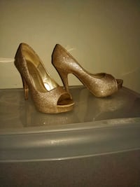 Forever 21 gold heels shoes stilettto Highland