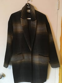 Brand new coat size medium from Simons store value of160$ Gatineau, J9H 6G1