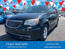 Chrysler-Town and Country-2012