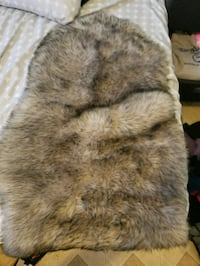 brown and white fur area rug Los Angeles, 91352