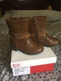 Brown leather Hazel zip boots on box Orlando, 32822