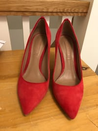 Shoes (Hugo Boss, Size 37) Toronto, M6R 1H2