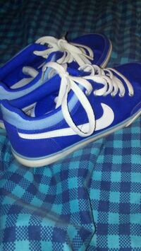 Blue nike size 6 almost. Brand ne Breaux Bridge, 70517