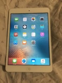 iPad 4 16gb  Edmonton, T6E 2C3