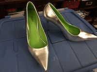 pair of green leather peep toe pumps Baltimore, 21220