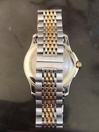 Round gold-colored analog watch with link bracelet Madison Heights, 48071