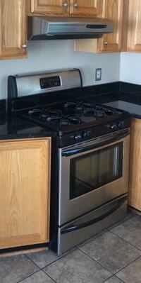 Frigidaire gas range oven with exhaust fan Ashburn, 20148