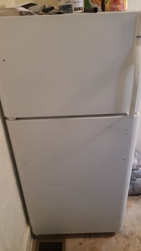 White top-mount refrigerator Youngstown, 44505