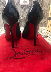 Christian Louboutin 37 barely worn + bag Toronto, M4P 1T4
